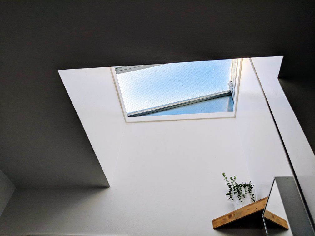 <img src=&quot;skylight.jpg&quot; alt=&quot;skylight letting in more daylight into a room.&quot;>